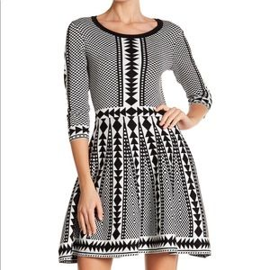 Dresses & Skirts - Geometric print sweater dress